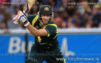 Hughes%2C+Khawaja+tip+out+Hussey