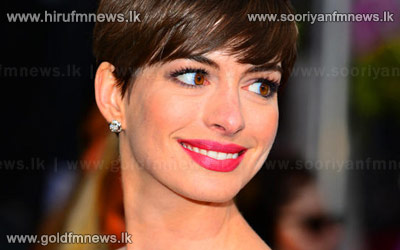 Hathaway+eyes+more+musicals+after+%27Les+Miserables%27