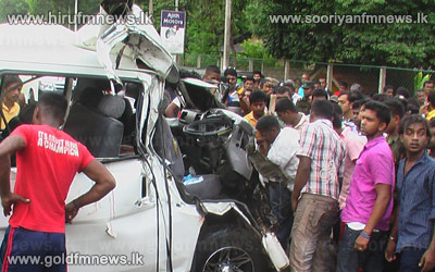 4+dead+in+Thihariya+accident+while+collision+between+van+%26+bus+in+Dambulla+injures+23