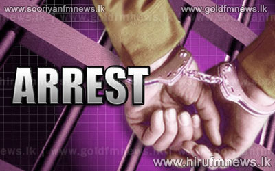 5+females+arrested+at+a+betting+centre+in+Thambuththegama+++