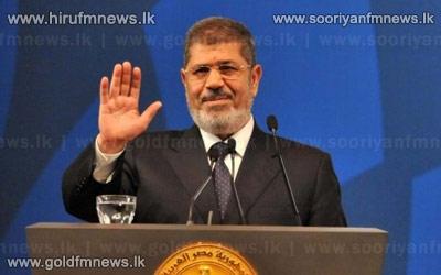 Egyptian+army+in+crisis+talks+as+Morsi+deadline+looms