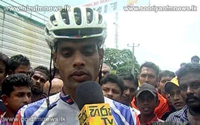 Lakshman+Wijerathna+of+Sri+Lanka+Army+wins+Tour+de+Hiru+-+the+biggest+cycle+race+in+Sri+Lanka
