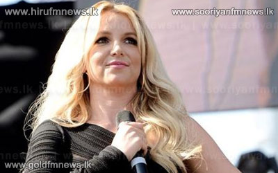 Prayers+for+victims+of+Asiana+airlines%3A+says+Britney+Spears.