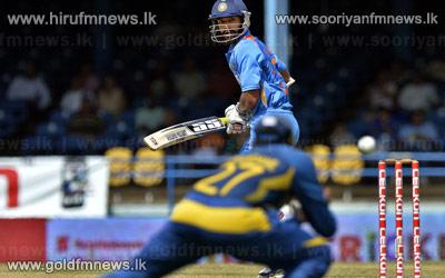 Sri+Lanka+and+India+into+the+finals.