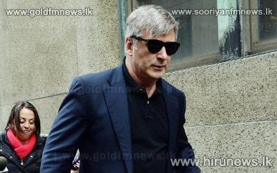 Canadian+actress+jailed+for+stalking+Alec+Baldwin