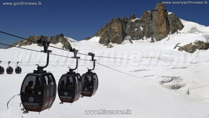 Cable+cars+failure+traps+dozens+over+French+Alps