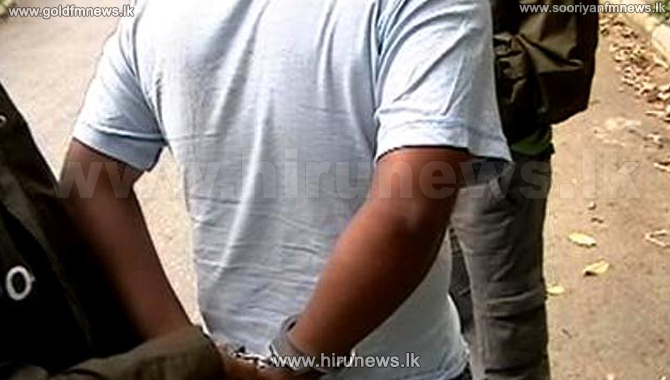 Stones+hurled+again+at+the+Maradana+railway+station%3B+School+student+arrested