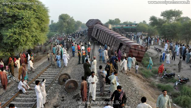Six+dead%2C+92+injured+as+Awam+Express+collides+with+cargo+train+in+Multan