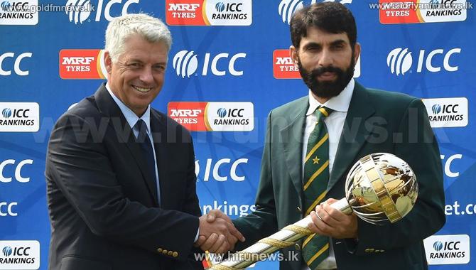 David+Richardson+presents+ICC+Test+Championship+mace+to+Misbah-ul-Haq+