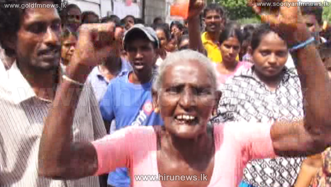Protest+in+Kandy+demanding+drinking+water+