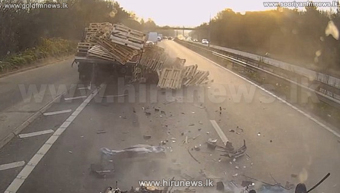 Lithuanian+lorry+driver+ploughs+into+the+back+of+a+queue+of+traffic+near+Dover+