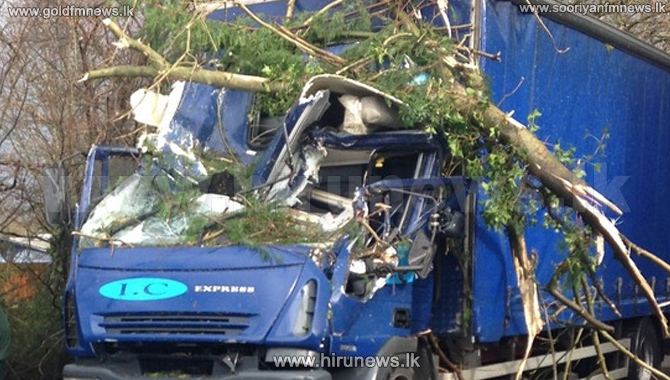 Two+hospitalized+after+branch+fall+on+lorry+
