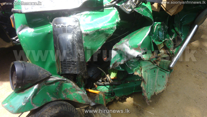 One+dead+in+Ratnapura+Tri-Shaw+accident+