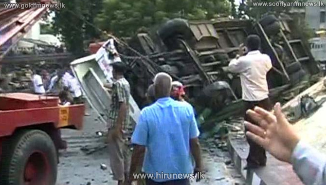 15+injured+after+bus+falls+into+a+ditch+in+Akkarawatta+