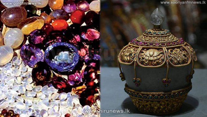 SIX+ARRESTED+WHILE+TRYING+TO+UNEARTH+POT+OF+GEMS+OF+VIHARAMAHADEVI