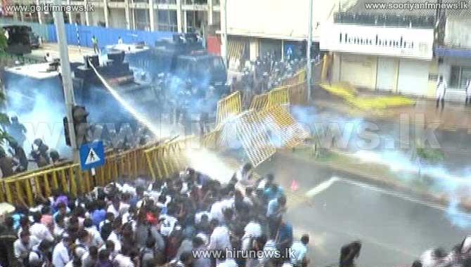 IUSF+protest+march+comes+under+police+attack