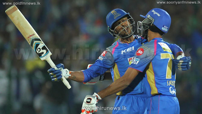 Jofra+Archer+marks+IPL+entry+in+style