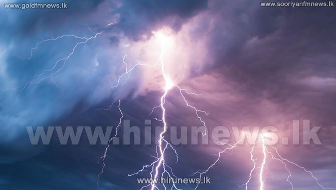 Public+urged+to+be+vigilant+over+lightning+hazards