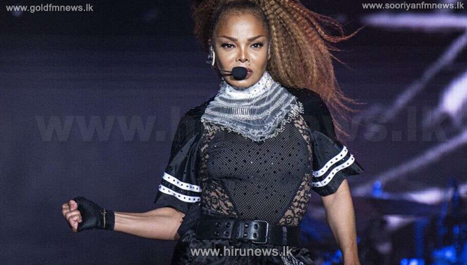 Fans+accuse+Janet+Jackson+of+lip-syncing+at+concert%2C+walk+out+in+protest