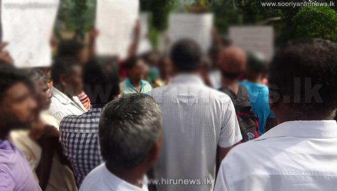 Residents+of+4+villagers+gather+and+Buduruwa-yaya+due+to+wild+elephant+threat