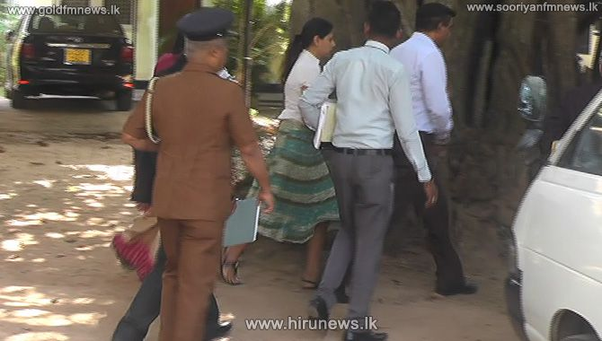 SRI+LANKAN+AIRLINES+FORMER+CEO+KAPILA+CHANDRASENA+AND+WIFE+REMANDED