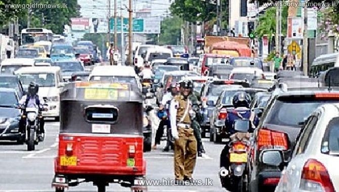 Traffic+congestion+in+Town+Hall+%E2%80%93+protest+march+by+University+students