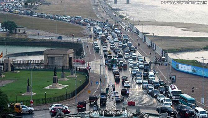 Galle+Road+blocked+opposite+President%27s+office+near+Galle+Face