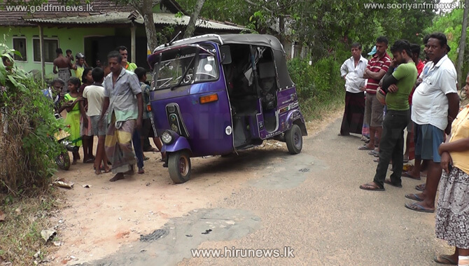 Three-wheeler+suspected+of+being+used+in+the+abduction+of+Kadawatha+Police+Constable+located