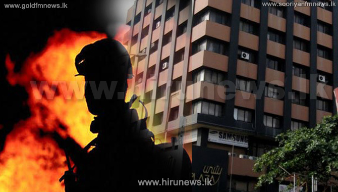 A+BUILDING+CATCHES+FIRE+IN+FRONT+OF+UNITY+PLAZA%2C+BAMBALAPITIYA