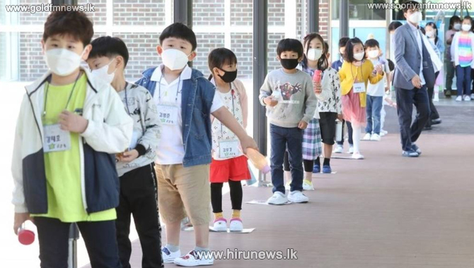 South+Korean+schools+close+again+with+the+new+wave+of+the+coronavirus+