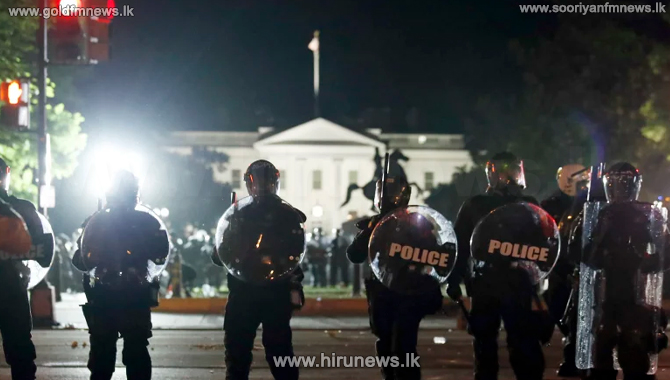 Tear+gas+fired+at+protestors+near+the+White+House