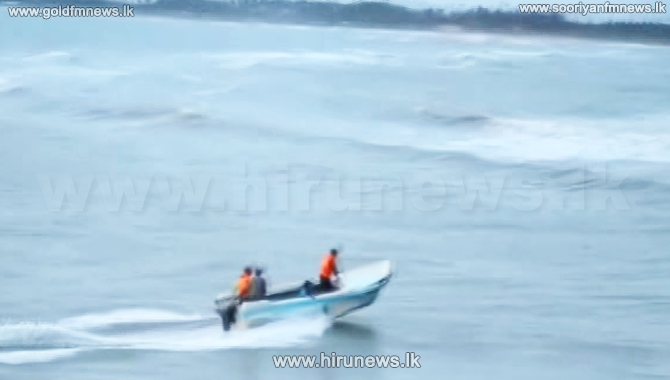 4+Chilaw+fishermen+escape+from+storm+%28video%29