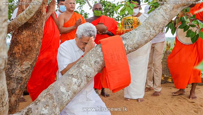 President+in+religious+observances+at+Thanthirimale+Rajamaha+Vihara+%28pictures%29