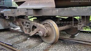 Trains on northern line delayed due to derailment