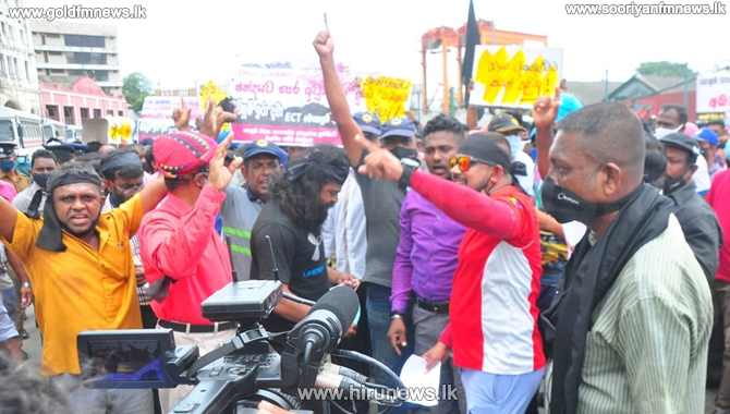 Colombo+Port+workers+call+off+strike