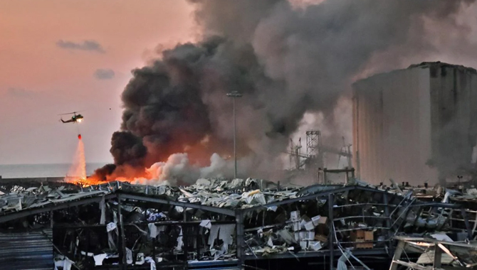 Explosion in Beirut, 73 dead and thousands injured  (Video)