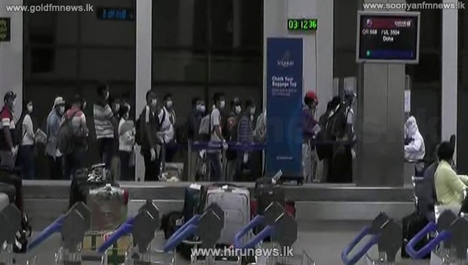 420 Sri Lankans return home from UAE (video)