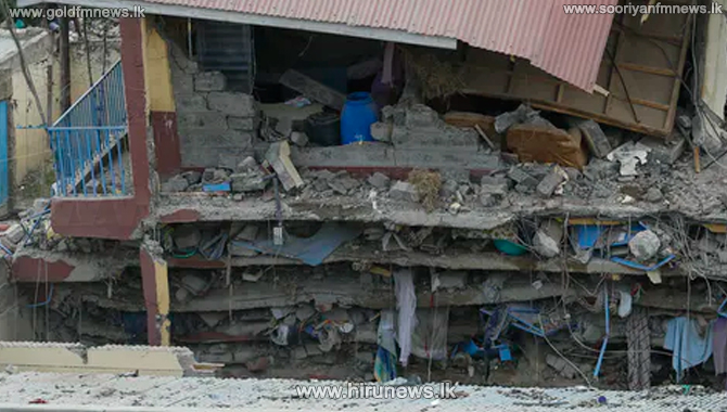 Three trapped in building caved-in in Kandy