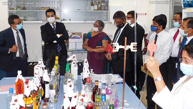 Justice minister pays observation visit to Govt. Analyst's Dept.