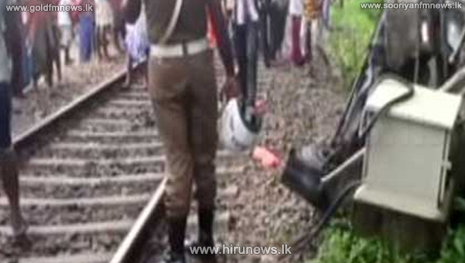 17 Children escape after the school van collides with a train