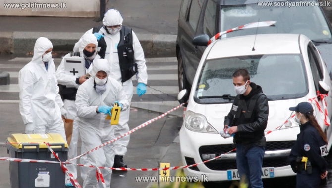 Seven detained after knife attack in Paris