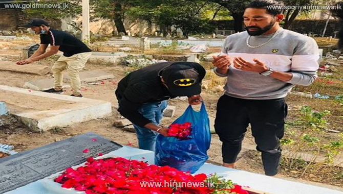 India fast bowler Mohammed Siraj visits his father's grave first thing after landing