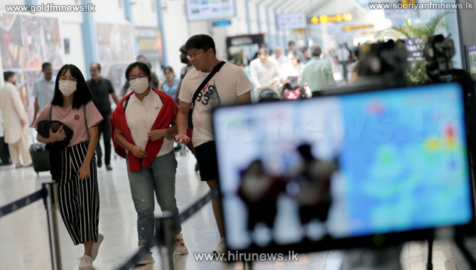 Re-opening of airports: First group of travellers arrive from Netherlands