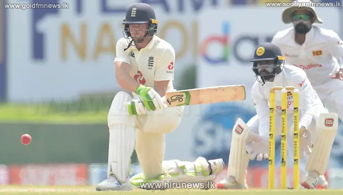 England beat Sri Lanka after a reckless batting display by the hosts