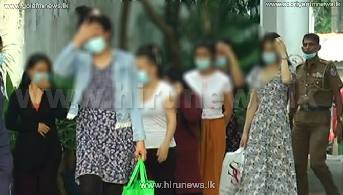 Police raid brothel in Colpetty - several Thai females arrested (Video)
