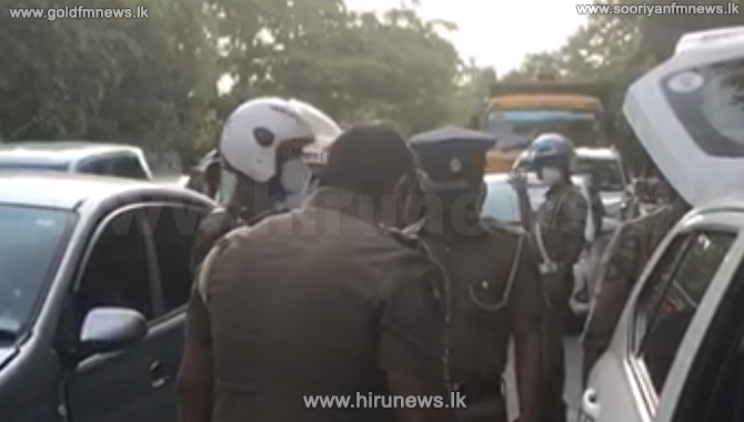 Humanity that emerged amidst heavy traffic (Video)
