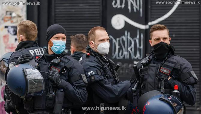 German-led+raid+on+huge+network+of+child+abuse+on+dark+net+