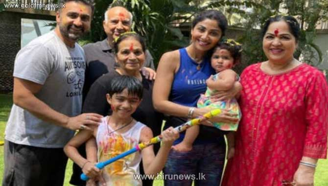 Shilpa Shetty Kundra's family contracts COVID-19