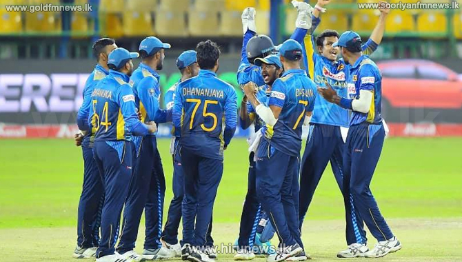 Sri Lanka beat India by 3 wickets (Video)