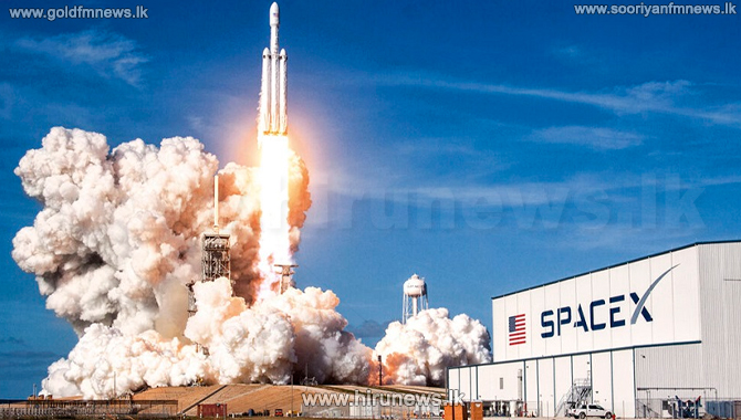 SpaceX lands NASA launch contract
